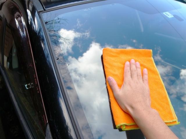 車のガラスの掃除方法【内側・外側】別にまとめました! イメージ写真