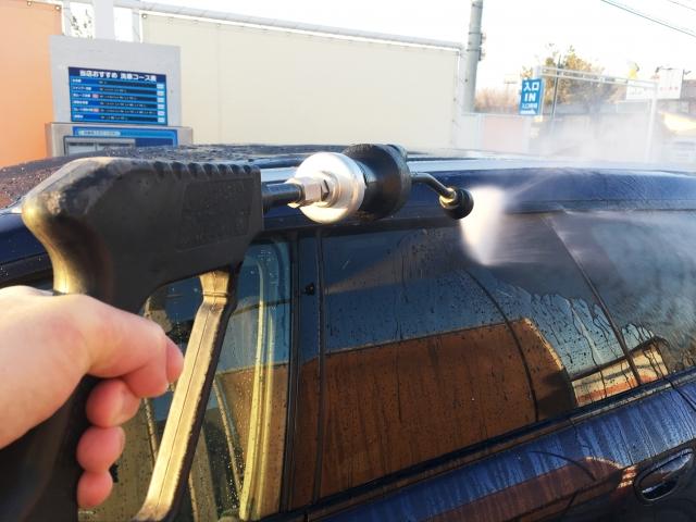 済5.車の水垢に悩んでいる人必見!簡単な落とし方&裏技とは イメージ